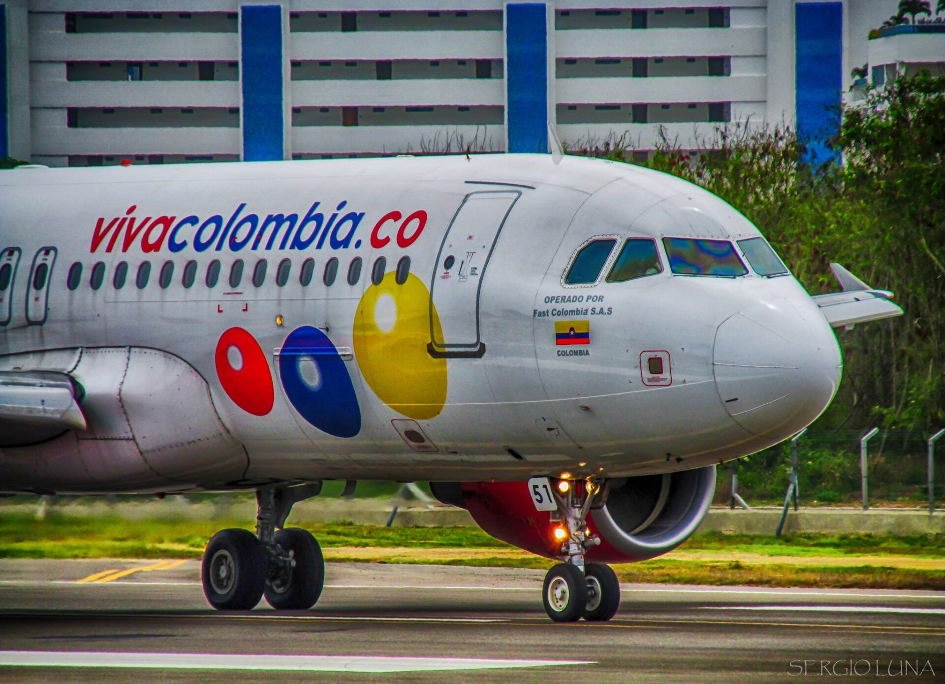 avion viva colombia miami